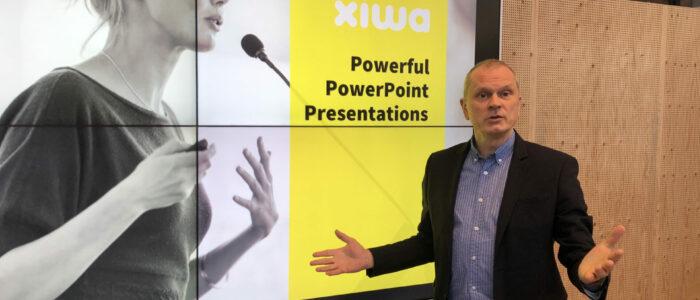 Lieven, zaakvoerder van Xiwa geeft interview over start-up rond PowerPoint